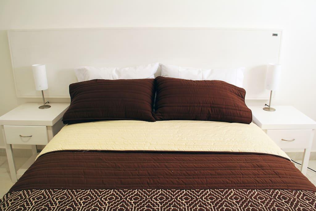Contamos con camas Queen e Individuales consulta condiciones.