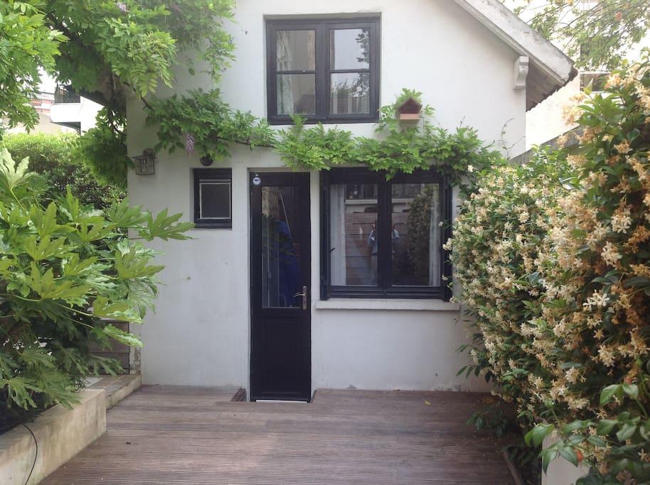 Charmante maisonnette 30m2 maisons louer boulogne for Cout agrandissement maison 30m2