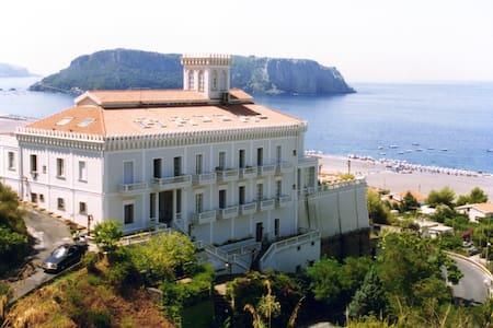 Appartamento sul mare - Praia a Mare (CS)