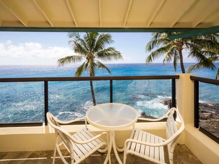 Fantastic Ocean Front Condo! Full Kitchen, Washer/Dryer, Private Lanai, WiFi, Flat Screens + More! Poipu Shores #401A