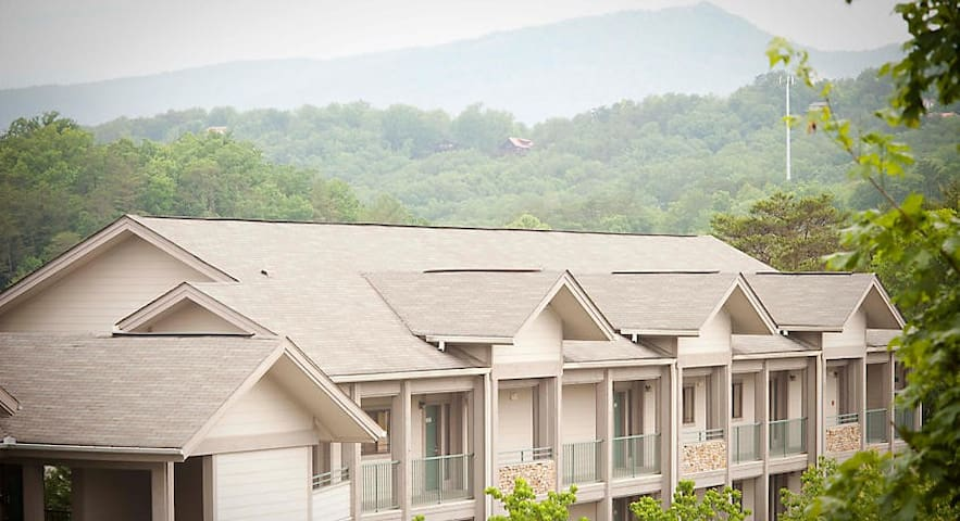 2BR Unit @ RESORT near Pigeon Forge Attractions!!