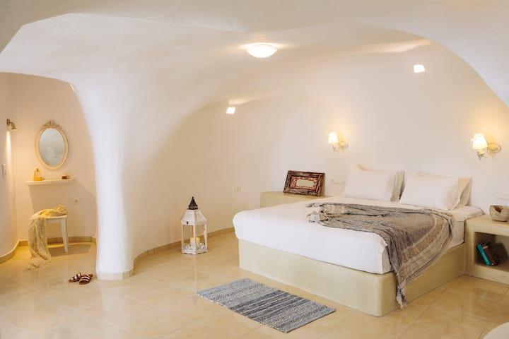 SantoCaves -Kallisti Cave