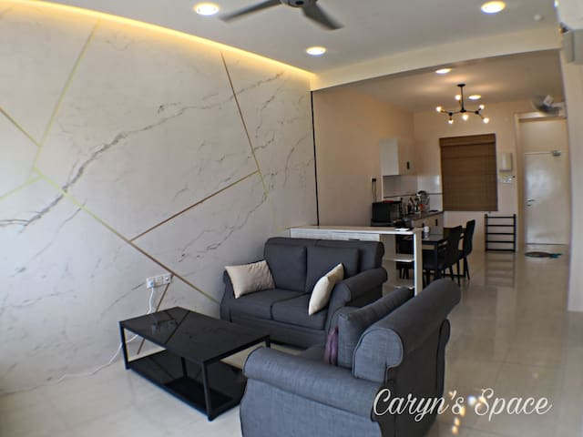 Caryn's Space (5+2pax) - Seaview Breezy Condo 3R2B