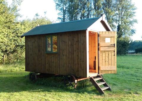 Shepherd's Hut on secluded meadow
