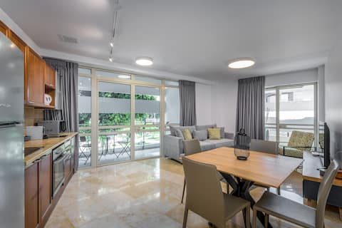 Dizengof area - Superb 1BR  Balcony on the square