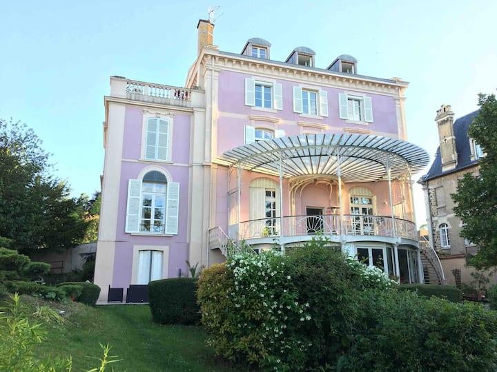 La Vie en Rose - Avenue de Champagne Epernay