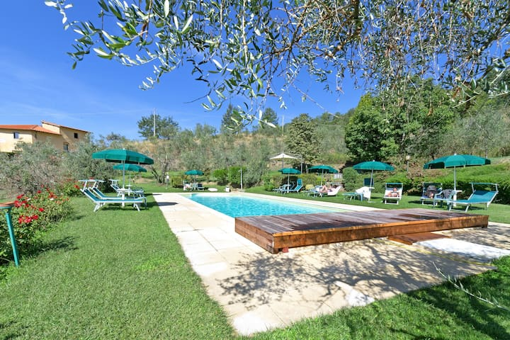 MULBERRY 2/4p, swimming pool, pvt garden, view