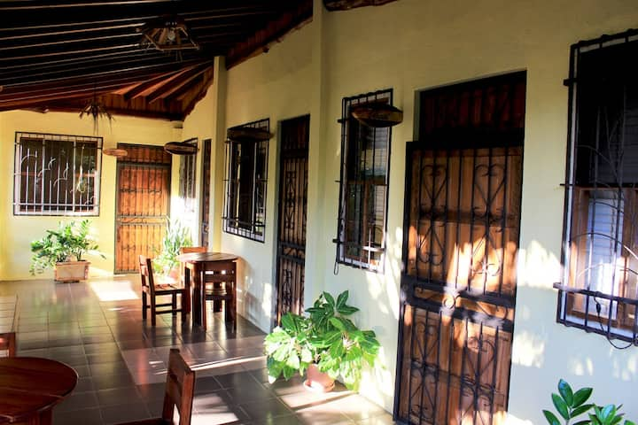 "Private room ""nimbu"" in typical Tico home"