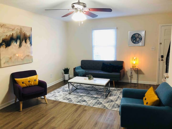 Very Clean and Modern Cary / Raleigh Townhome