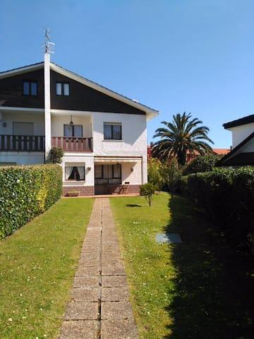Casa Playa de Santa Marina - Ribadesella - Rumah