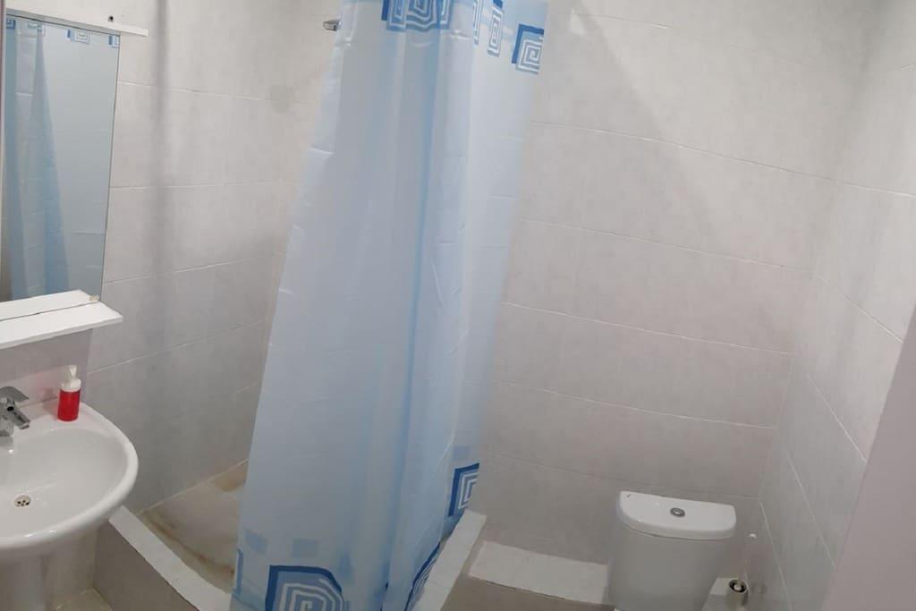 Душ и туалет в каждом номере