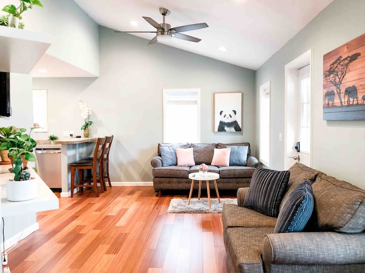 ★Renovated Relaxing Midtown Home  Private Parking 