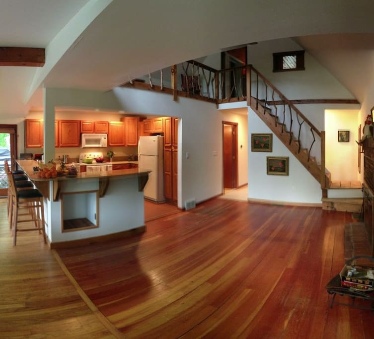 Main room & kitchen