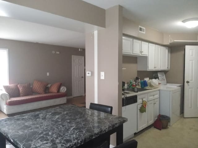 Whitehall condominiums15 Min From DownTown