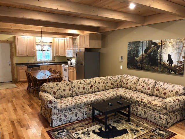 Magnificent 3BR Townhouse at the Lodge - Unit 2