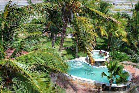 Hotel Los Jardines Montecristi-  room 1