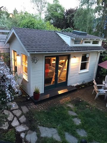 Cozy Berkeley Tiny House in Amazing Neighborhood - Berkeley - Gästhus