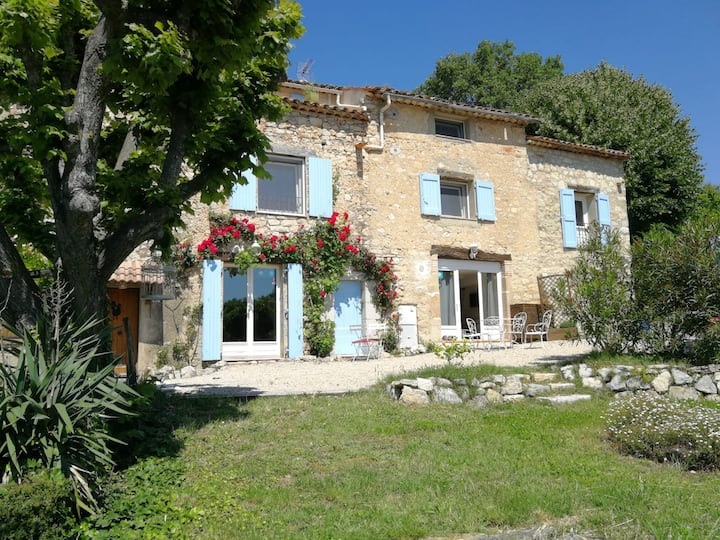 Provençale Farmhouse for 4 people