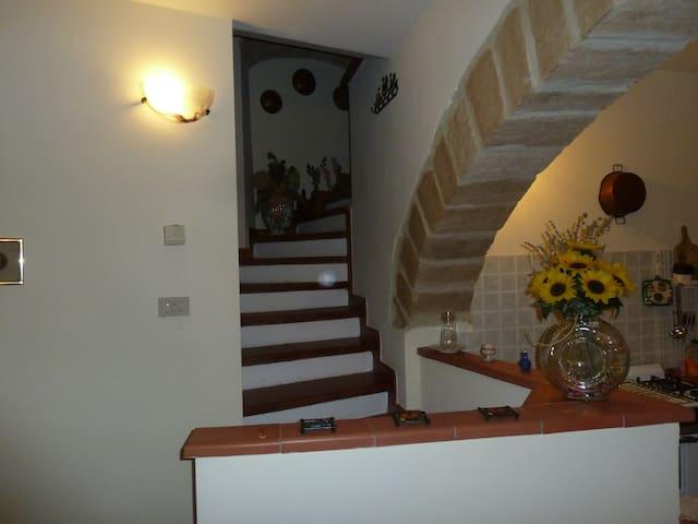 "UMBRIA SWEET HILLS - ""LA PINETA"" HOUSE - Guardea - Hus"