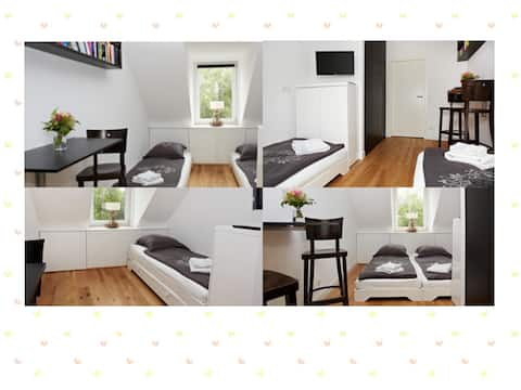 ★ Modern guestroom | own bathroom | aircondition ★