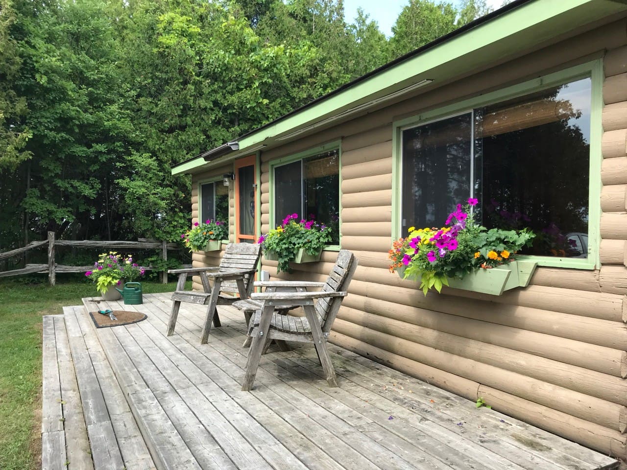 A quaint little cabin on the Bruce Peninsula, on the shores of Sandy Bay in Oliphant, ON
