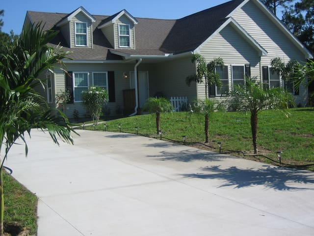 Country Home  - Close to Warm Mineral Springs - North Port - Ev