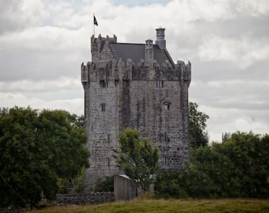 Live like a King in my Castle - Galway - Castello