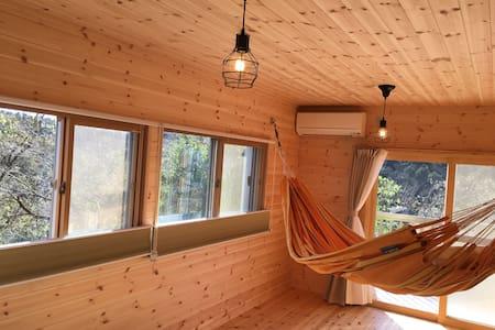 東京ドイツ村へ3分。自然に囲まれた高台の隠れ家的、別荘風戸建一棟貸し切り