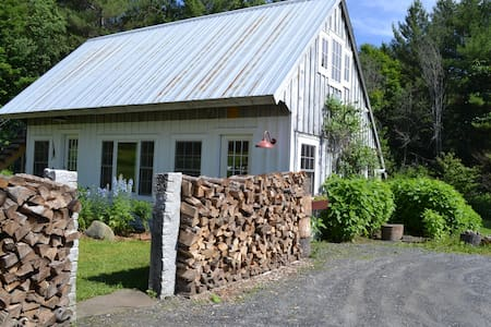 Absolutely Gorgeous Vermont Cottage - Montpelier - Bungalow