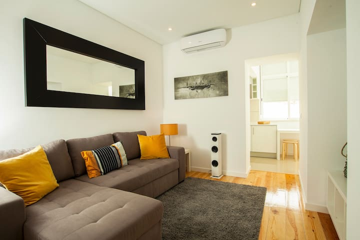 NEW - Terrace & Comfort between DOWNTOWN & CASCAIS