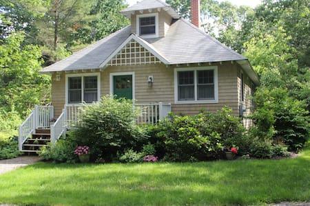 Sweet Garden Cottage in Rockport - Rockport