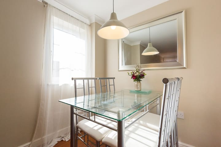 Bright, modern apartment in North Oxford - Kidlington - Byt