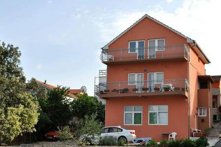 RENTING 1- 3 Apart. or Whole House! - Bilice