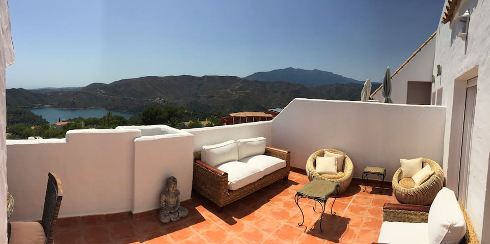 LUXURY DUPLEX WITH AMAZING VIEWS - Marbella - House