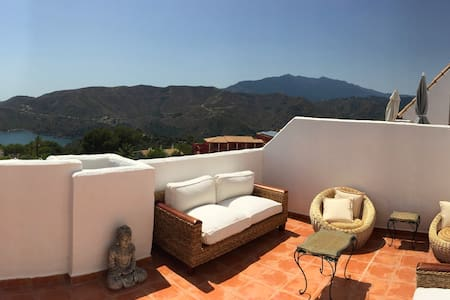 LUXURY DUPLEX WITH AMAZING VIEWS - Marbella - Huis
