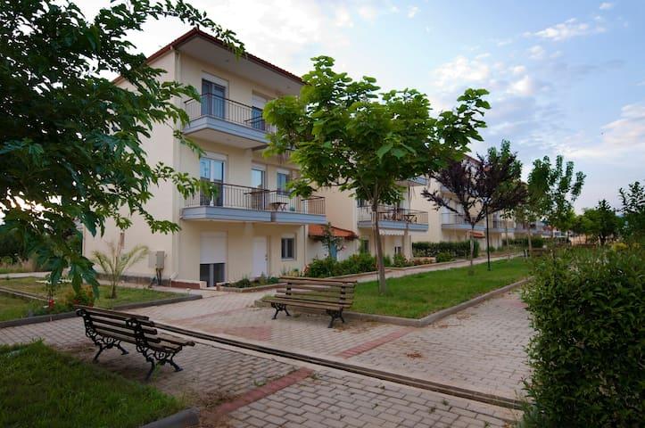 Beautiful apartment next to the sea - Kalives Poligirou