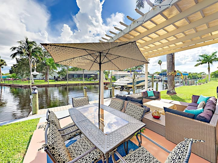 Canalfront Haven with Screened Lanai & Fire Pit