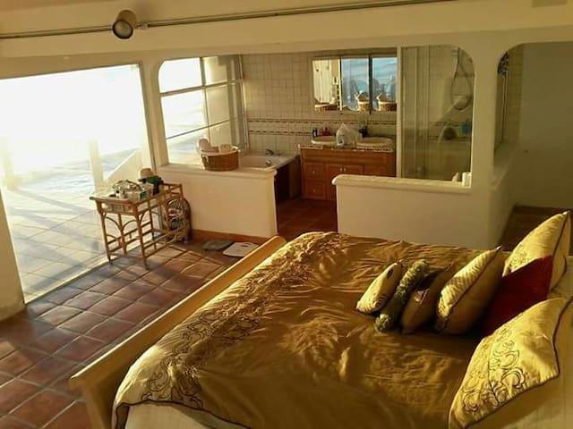 Ocean front Suite! - San Antonio del Mar - Ev
