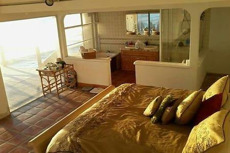 Ocean front Suite! - San Antonio del Mar