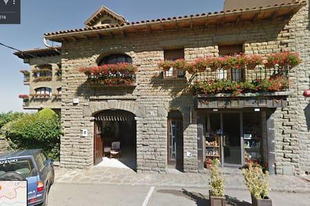 Se alquila Vivienda de 230 m2 en Cantonigròs - Cantonigròs - House