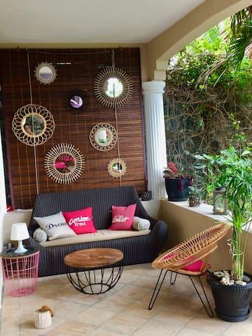 Terrasse au rez