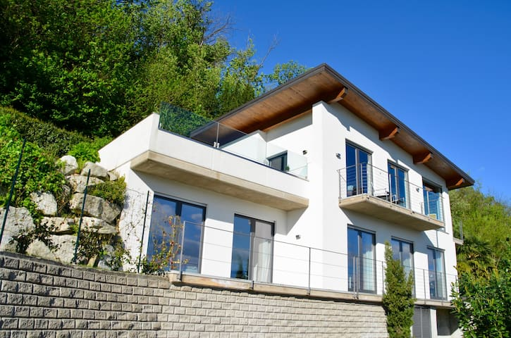 Exclusive House at Lago Maggiore - Germignaga - Casa