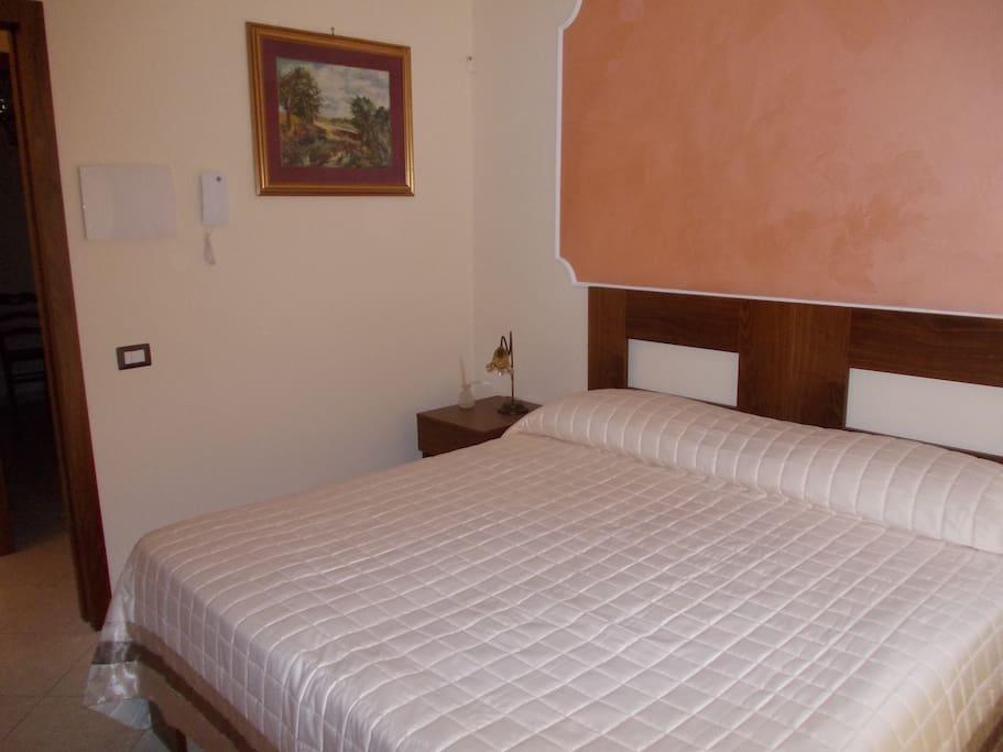 Citofono, comodo e ampio letto