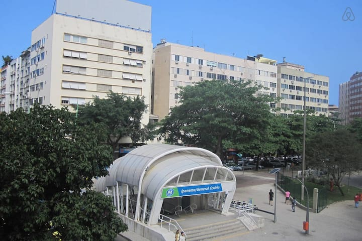 General Osorio Metro Station. View from the apartment.