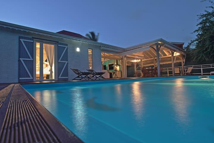 Villa Outremer - En bord de plage - Le Gosier - Hus