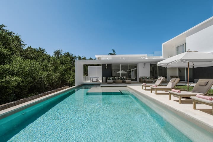 Casa Marazul