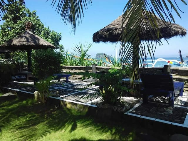 Beachfront Bungalow in Candidasa Beach