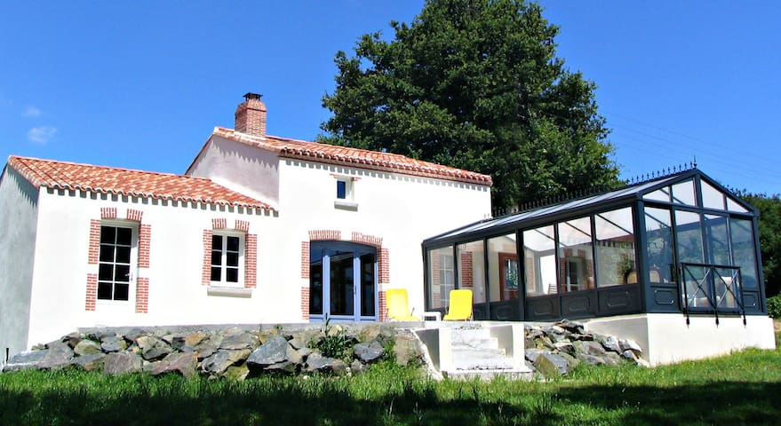 La Maison d'Hortense avec piscine - Chavagnes-en-Paillers - Casa