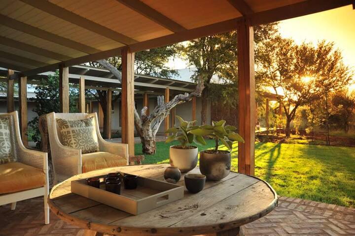 Villa near Mt. Rwenzori & Gorillas
