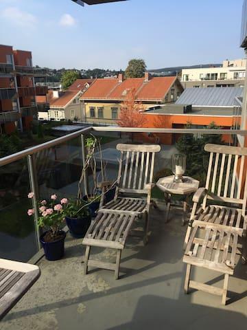 Sentralt - rolig - 10 min Oslo S - Lillestrøm - Appartement